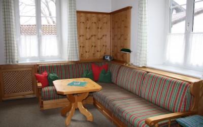 Wohn und Schlafzimmer Ferienwohnung Jochberg